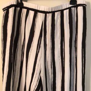 Conrad C size 18 flowing black & white pants